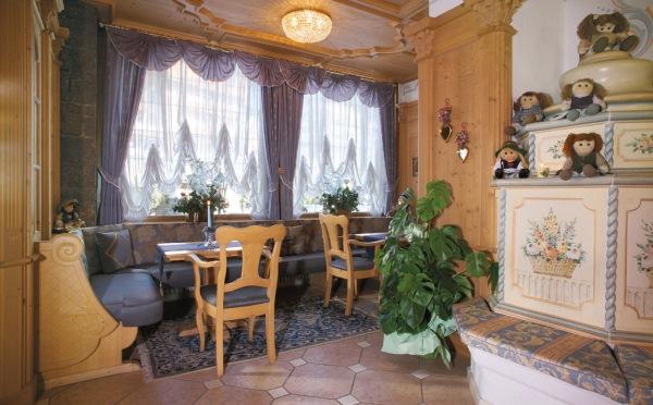 Hotel-Colbricon-San-Martino-stube