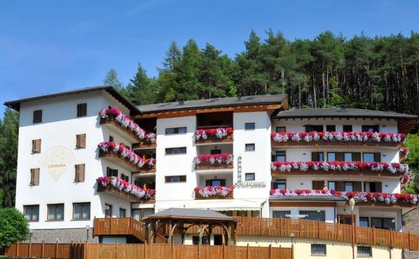 Hotel-Comparsa-Pergine-Valsugana-esterno2