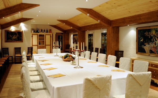 Hotel-Des-Alpes-San-Martino-meeting-room2
