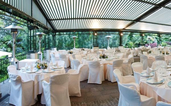 Hotel-Du-Lac-et-Du-Parc-Riva-del-Garda-cena-in-veranda