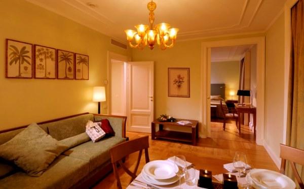 Hotel-Du-Lac-et-Du-Parc-Riva-del-Garda-la-villa2