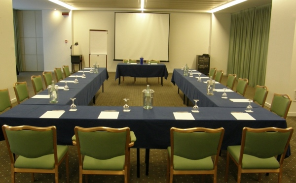 Hotel-Du-Lac-et-Du-Parc-Riva-del-Garda-sala-meeting-2