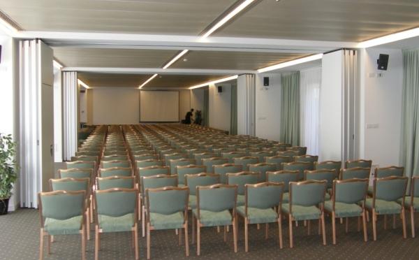 Hotel-Du-Lac-et-Du-Parc-Riva-del-Garda-sala-meeting