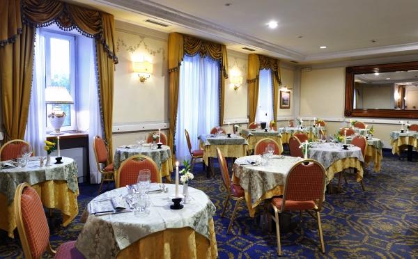 Hotel-Eden-Levico-Terme-sala-da-pranzo