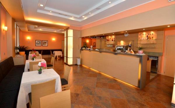 Hotel-Flora-Terme-di-Comano-bar