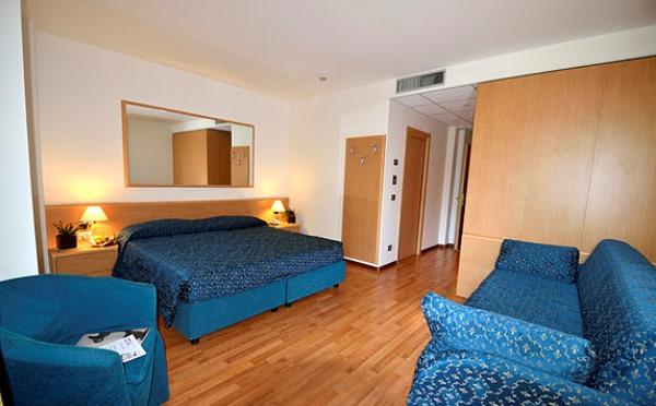 Hotel-Flora-Terme-di-Comano-camera-da-letto2
