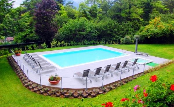 Hotel-Flora-Terme-di-Comano-piscina