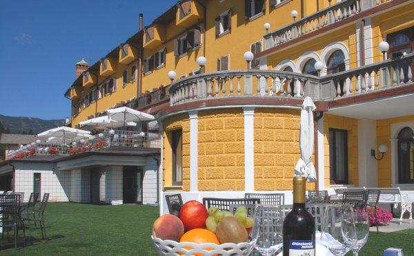 Hotel-Folgaria-Grand-hotel-Astoria-esterno