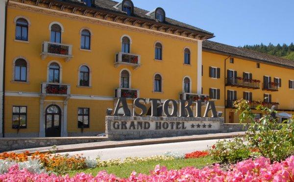 Hotel-Folgaria-Grand-hotel-Astoria-esterno2