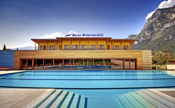 Hotel-Garda-Sporting-Riva-del-Garda-esterno2