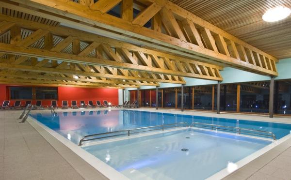 Hotel-Garda-Sporting-Riva-del-Garda-piscina
