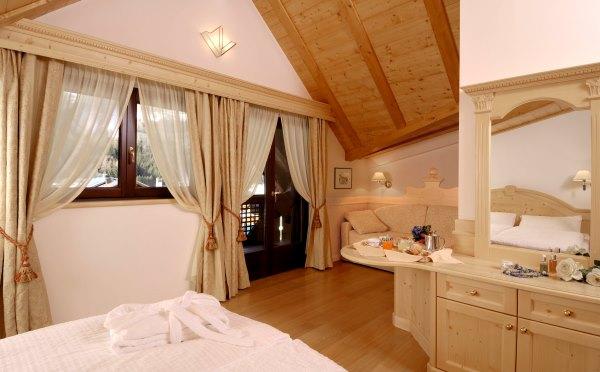 Hotel-Kristiania-Cogolo-di-Peio-camera-da-letto1