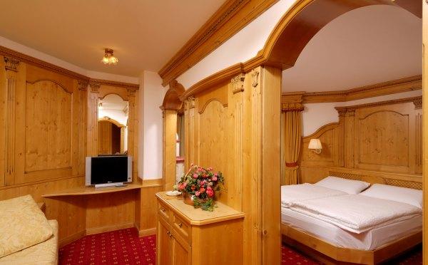 Hotel-Kristiania-Cogolo-di-Peio-camera-da-letto2
