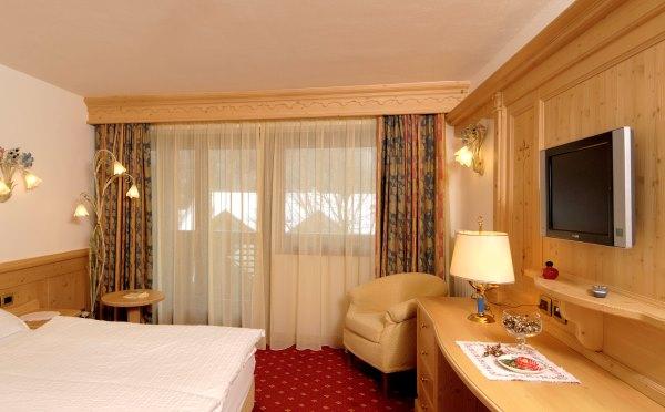 Hotel-Kristiania-Cogolo-di-Peio-camera-da-letto3