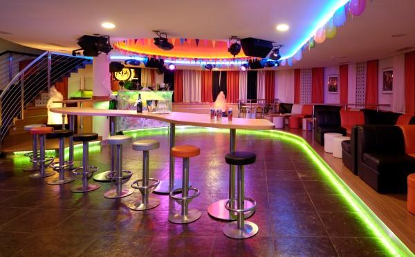 Hotel-Kristiania-Cogolo-di-Peio-discoteca-interna