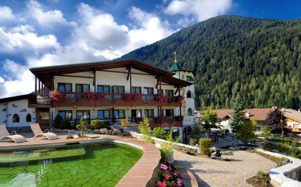 Hotel-Kristiania-Cogolo-di-Peio-esterno