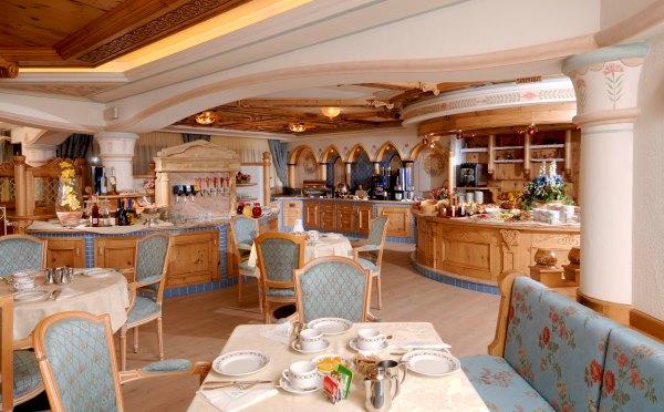 Hotel-Kristiania-Cogolo-di-Peio-sala-ristorante