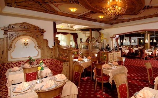 Hotel-Kristiania-Cogolo-di-Peio-sala-ristorante2