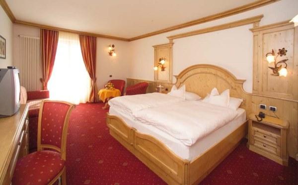 Hotel-Lagorai-Cavalese-camera-da-letto