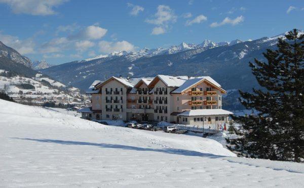 Hotel-Lagorai-Cavalese-esterno-in-inverno
