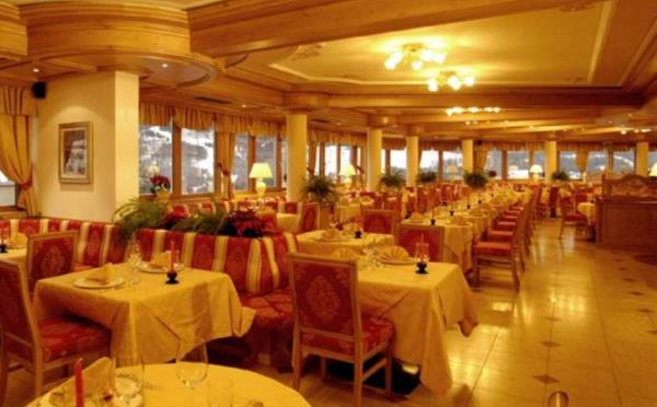 Hotel-Lagorai-Cavalese-sala-ristorante2