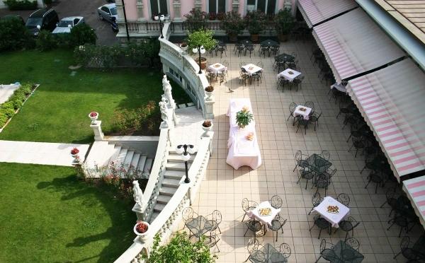 Hotel-Liberty-Riva-del-Garda-terrazzo