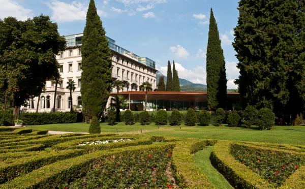 Hotel-Lido-Palace-Riva-del-Garda-esterno