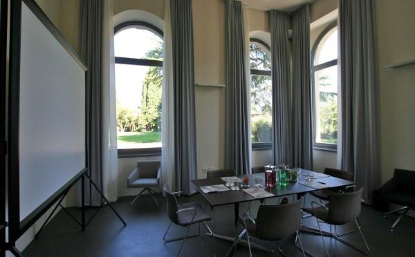 Hotel-Lido-Palace-Riva-del-Garda-sala-conferenze3