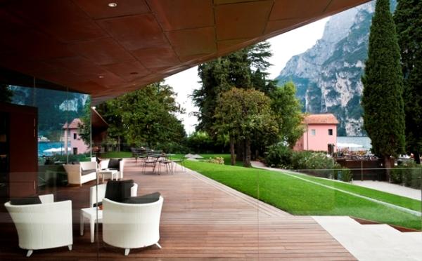 Hotel-Lido-Palace-Riva-del-Garda-veranda