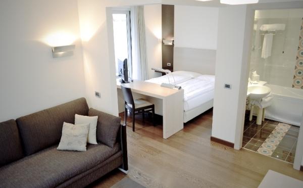 Hotel-Luise-Riva-del-Garda-camera-da-letto
