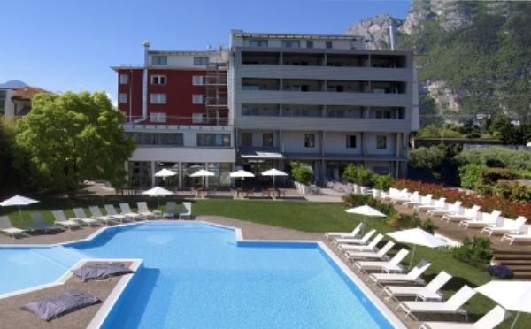 Hotel-Luise-Riva-del-Garda-esterno