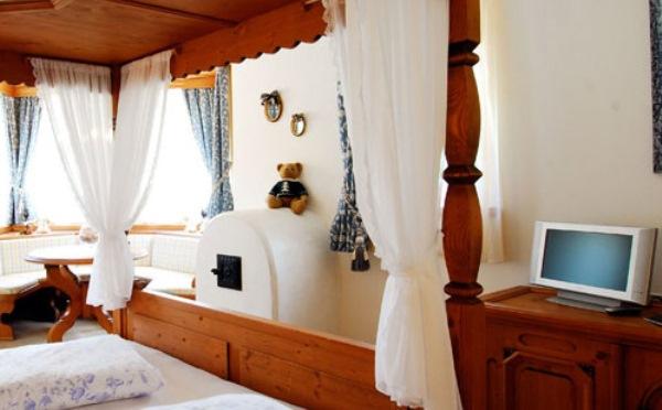 Hotel-Maso-Col-San-Martino-camera-da-letto