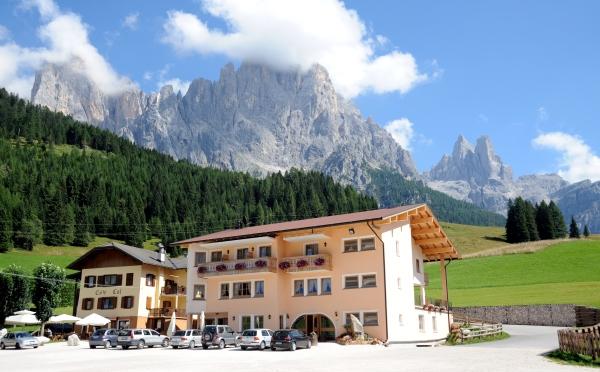 Hotel-Maso-Col-San-Martino-esterno1