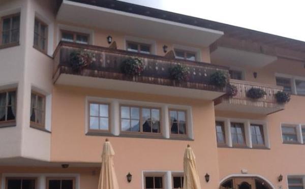 Hotel-Maso-Col-San-Martino-esterno2