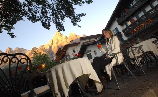 Hotel-Savoia-San-Martino-di-Castrozza-veranda