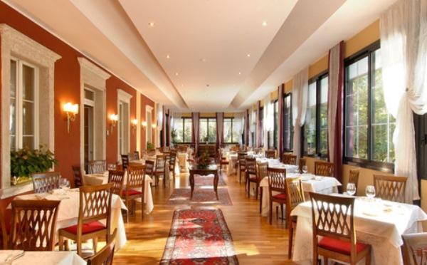 Hotel-Villa-Madruzzo-Cognola-sala-da-pranzo3