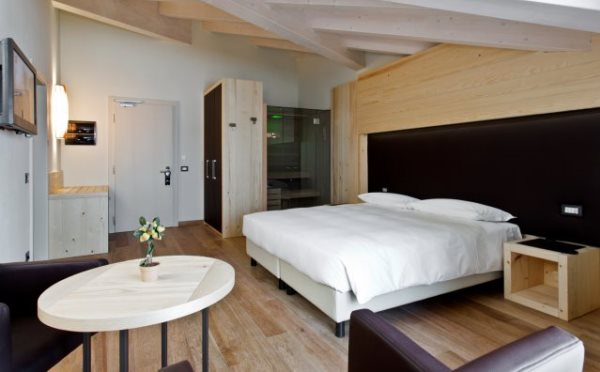 Hotel-delle-Alpi-Passo-Tonale-camera-da-letto2