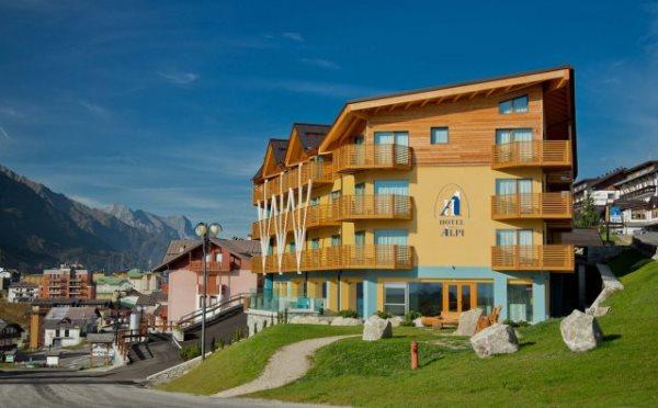 Hotel-delle-Alpi-Passo-Tonale-esterno