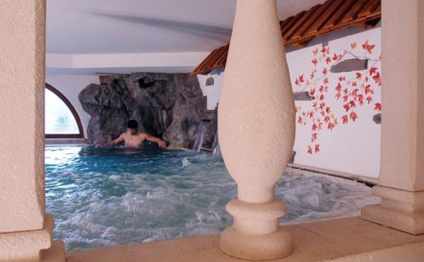Hotel-la-Roccia-Cavalese-centro-benessere