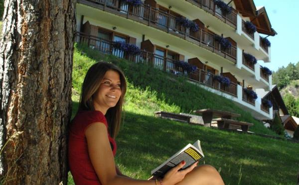 Hotel-la-Roccia-Cavalese-giardino