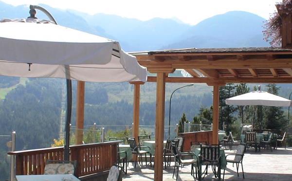 Hotel-la-Roccia-Cavalese-giardino2