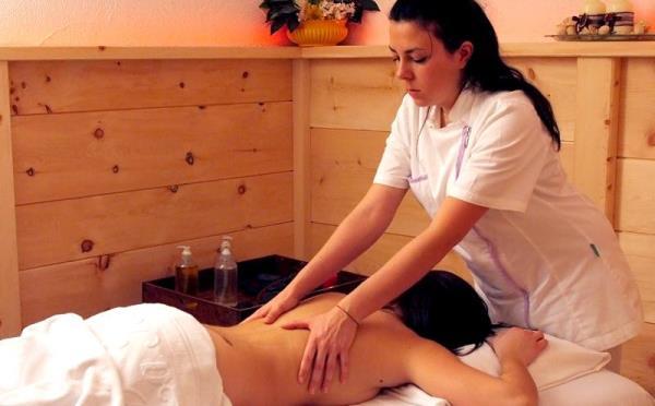 Hotel-la-Roccia-Cavalese-massaggi