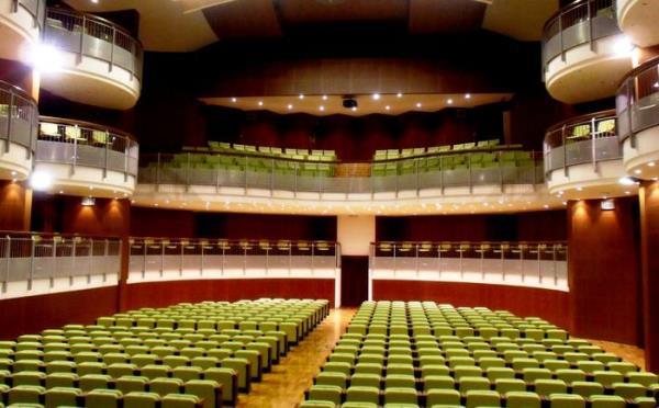 Teatro-Navalge-Canazei-interno1